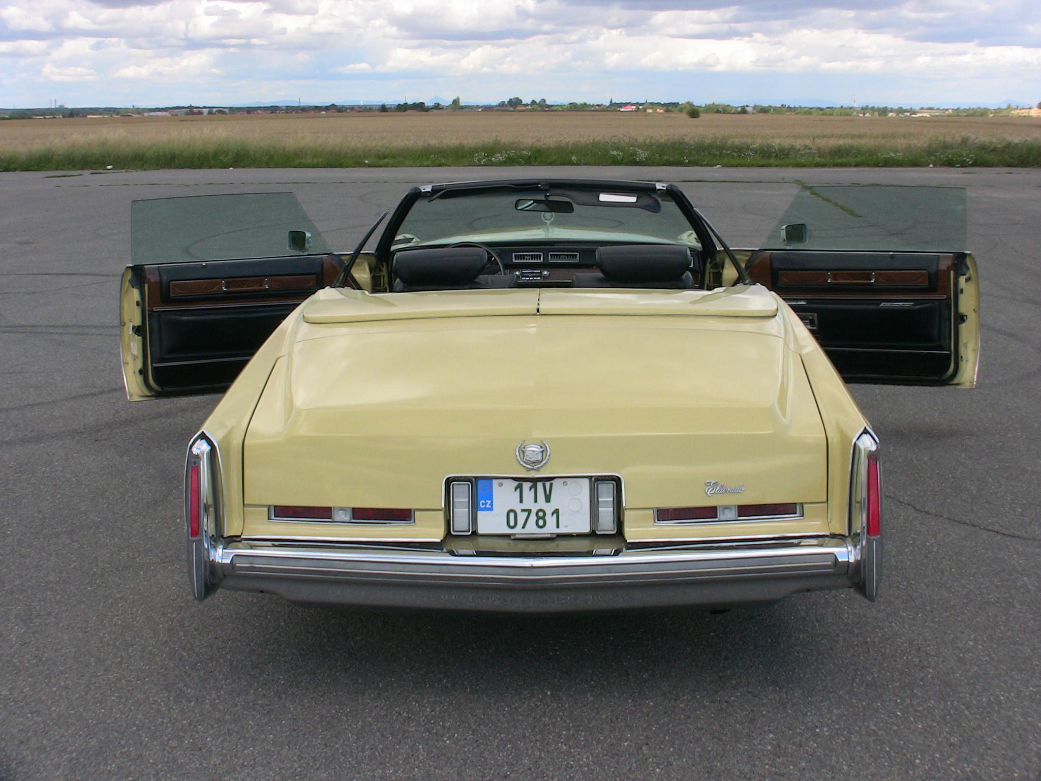 1975 Cadillac Eldorado Convertible Cadillac Klub Čr