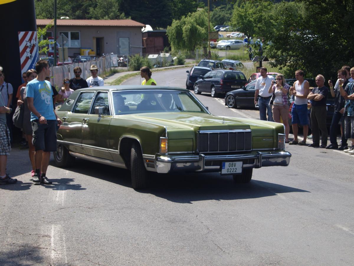1975 Lincoln Town Car