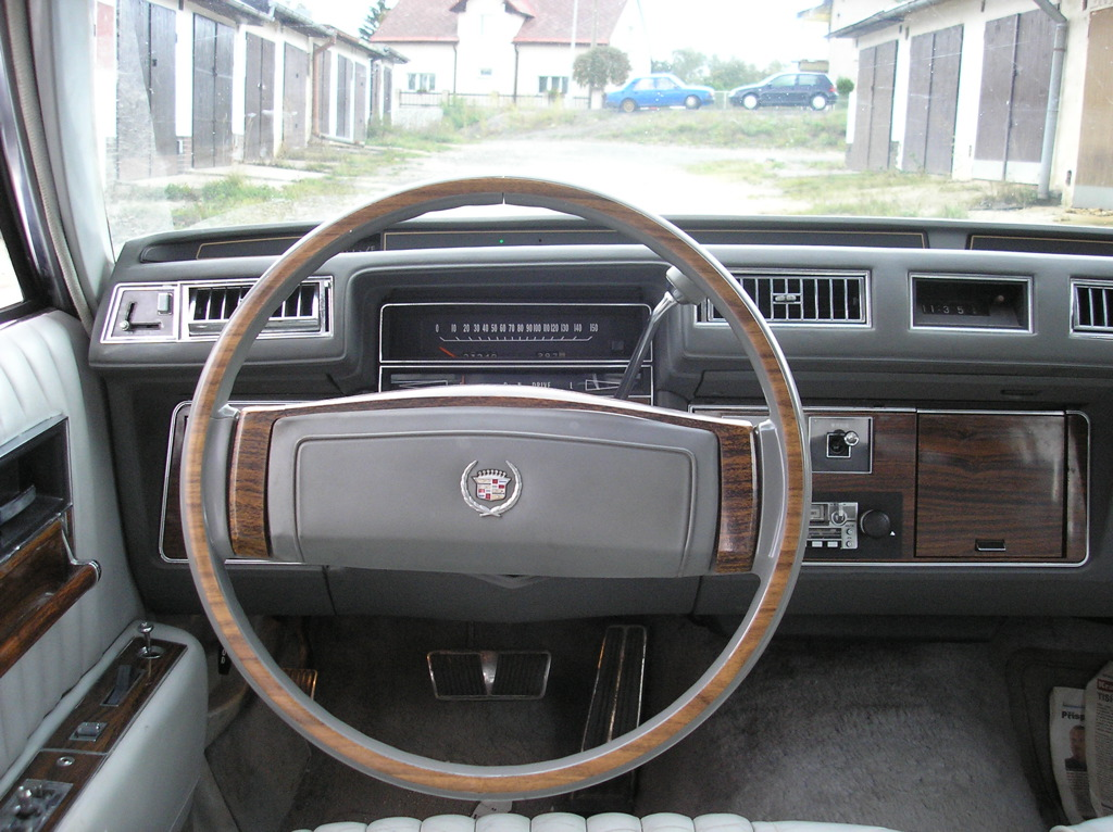 Seville on 1982 Cadillac Fleetwood Interior