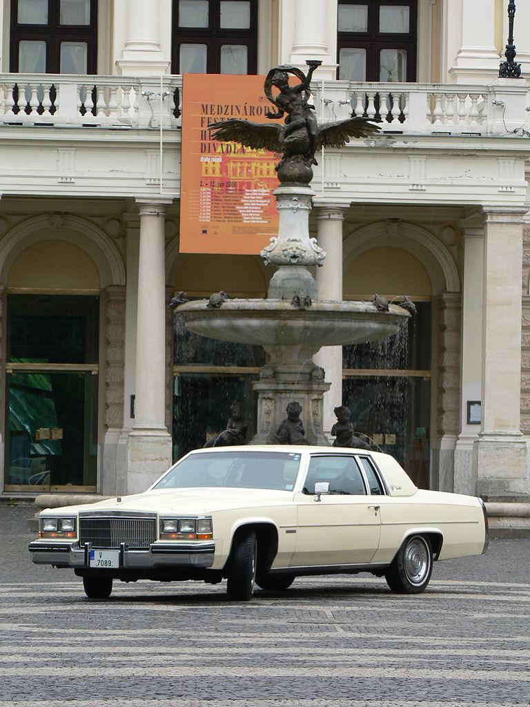 Deville Coupe on 1982 Cadillac Fleetwood Convertible