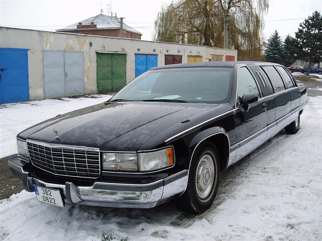 Fleetwood Limousine on 1975 Cadillac Coupe Deville